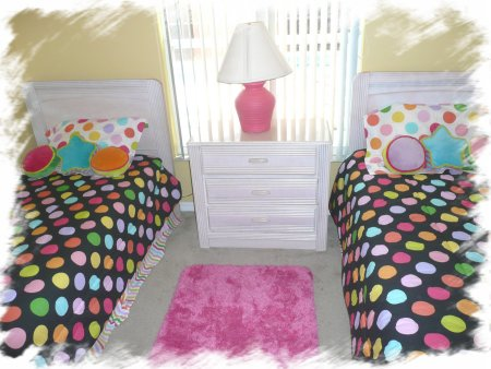 colorful twin room